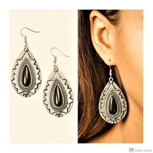 Cavalier Canyoneering - Black & Silver Earrings
